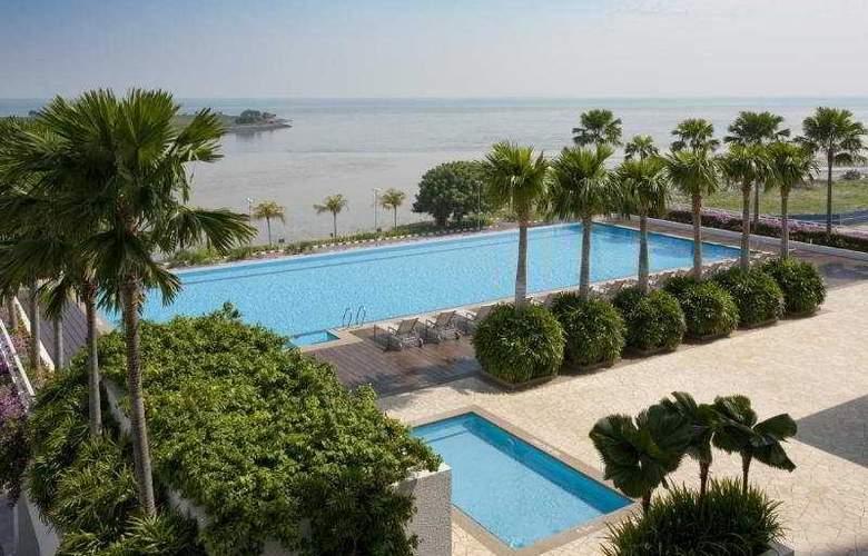 Holiday Inn Melaka - Pool - 2