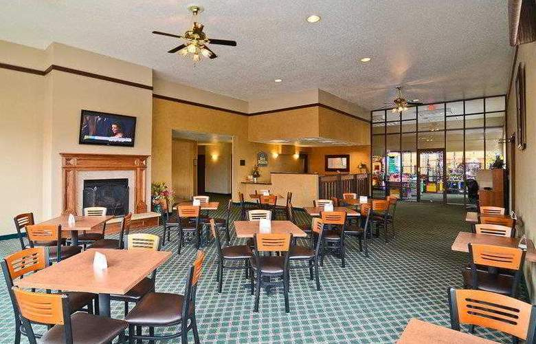 Best Western Ambassador Inn & Suites - Hotel - 6
