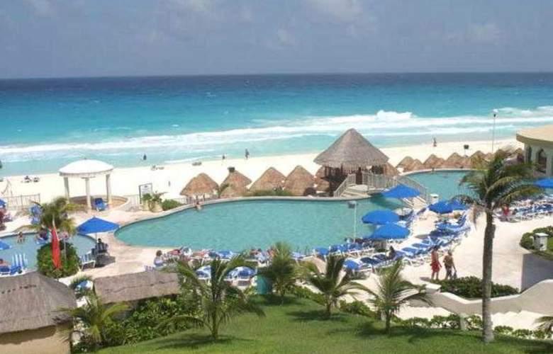 Golden Parnassus Resort & Spa All Inclusive - Pool - 13