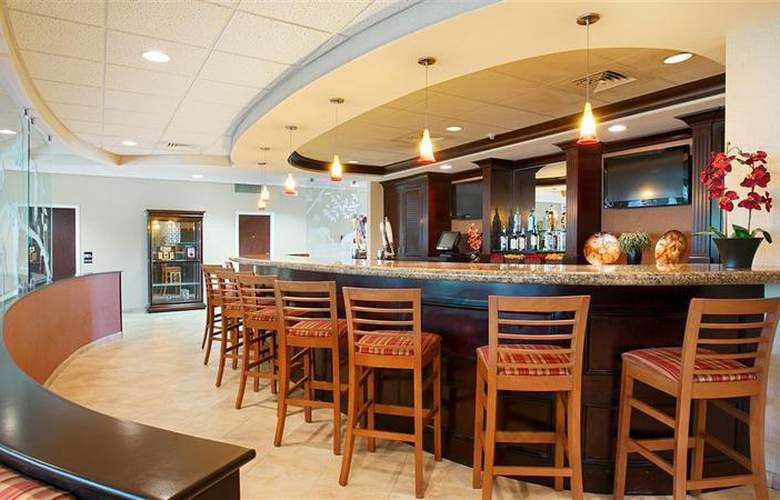 Best Western Plus Downtown Stuart - Restaurant - 51