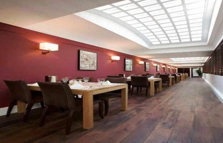 Dolphin House - Restaurant - 8