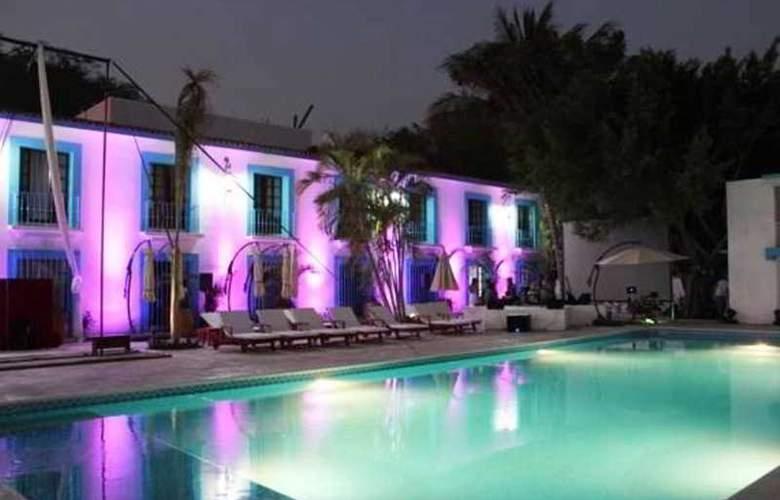 Hotel Santa Cruz Huatulco - Pool - 1