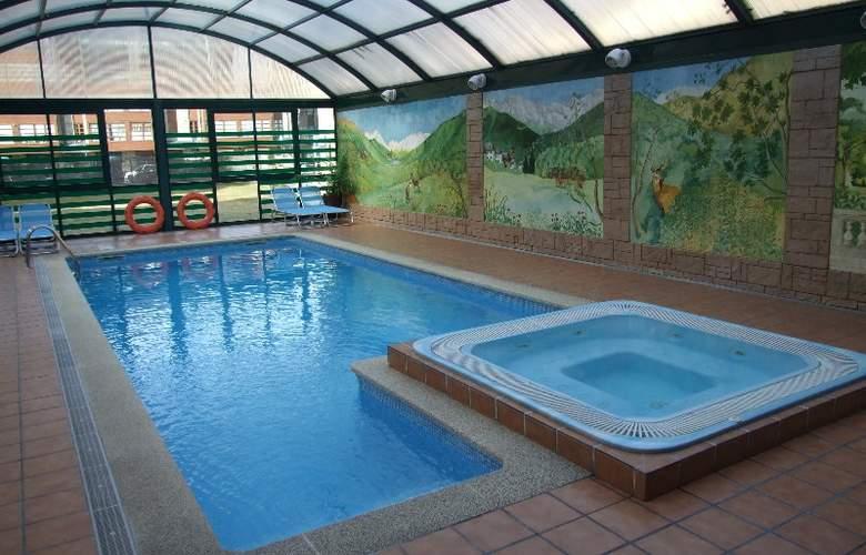 Suite Aparthotel & Spa Eth Refugi d'Aran - Pool - 4