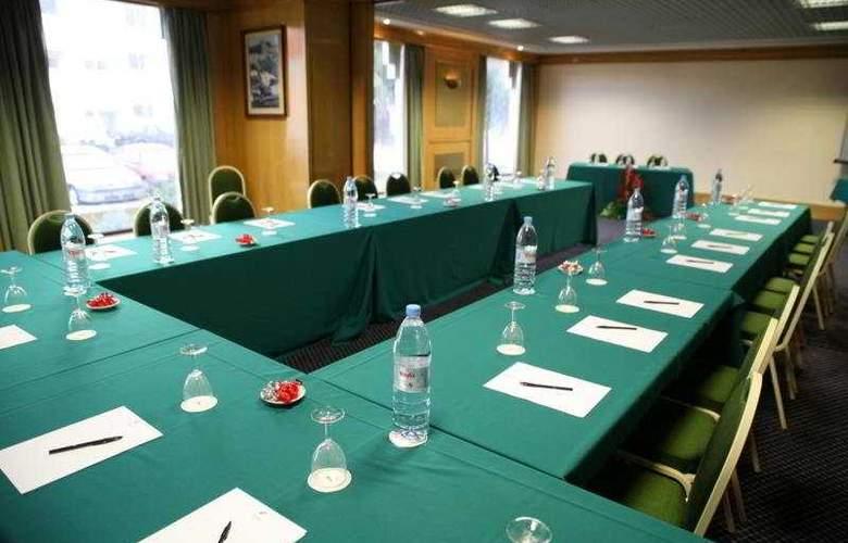 Sinerama - Conference - 9