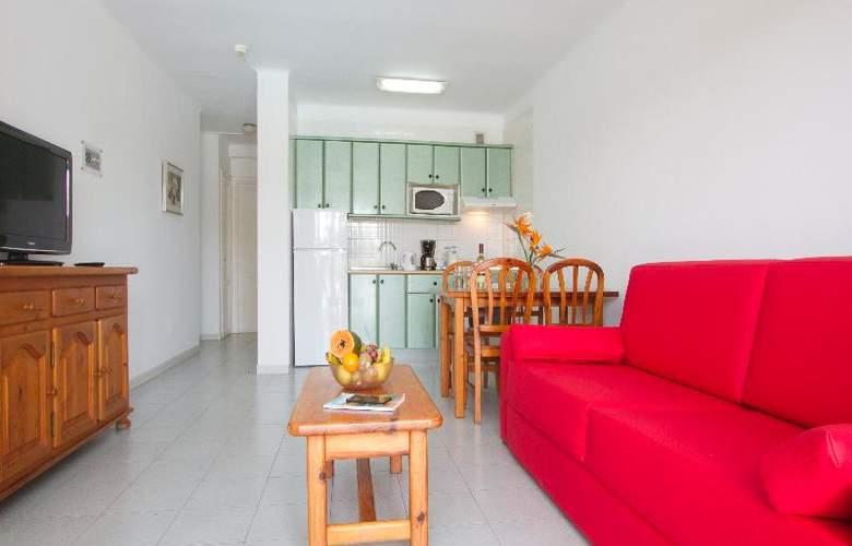 Nazaret Apartments - Room - 8