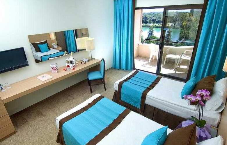 Grand Prestige Hotel - Room - 3