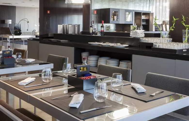 AC San Sebastian de los Reyes - Restaurant - 13