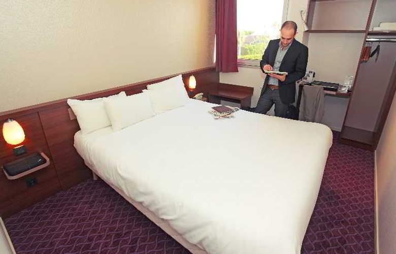 Brit Hotel Esplanade - Hotel - 1
