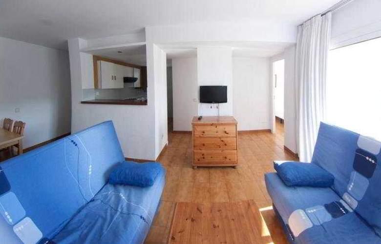 El Divino Apartamentos - Room - 4