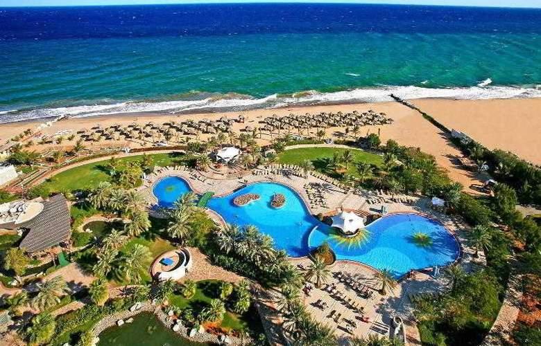 Le Meridien Al Aqah Beach Resort - Hotel - 6
