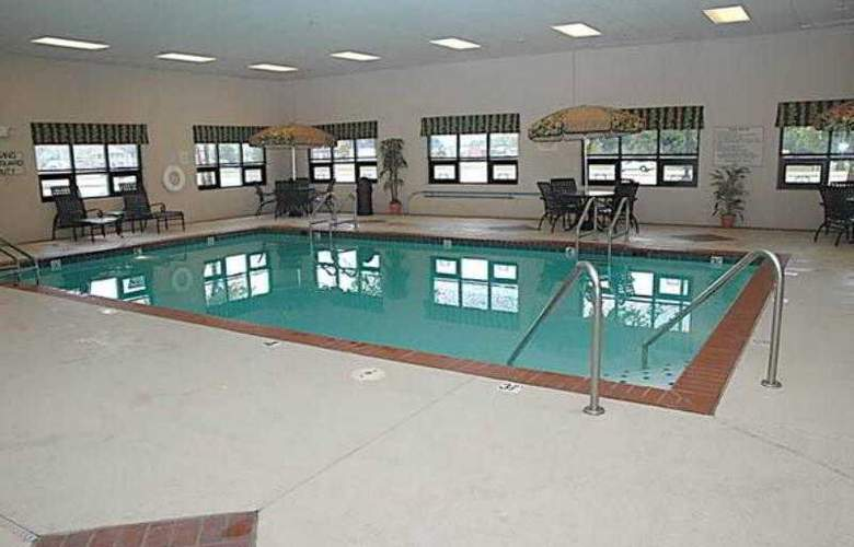 Hampton Inn Columbus/Taylorsville/Edinburgh - Pool - 11