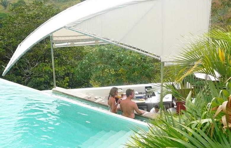 Gaia Hotel & Reserve - Pool - 5