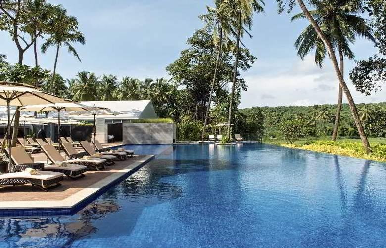 Novotel Goa Resort and Spa - Pool - 56