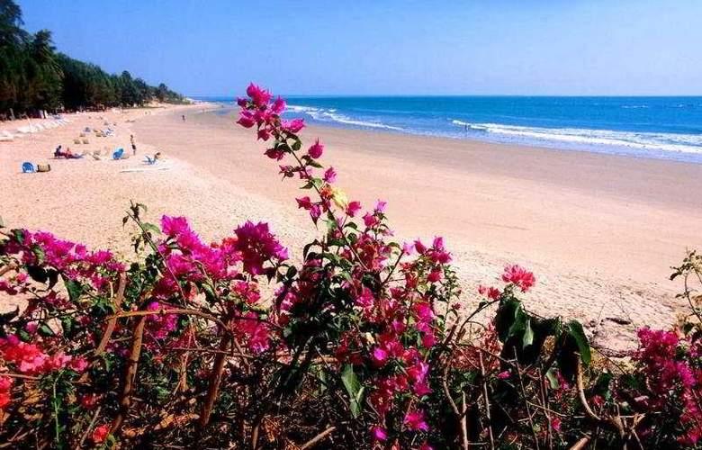Royal Kabrousse - Beach - 1