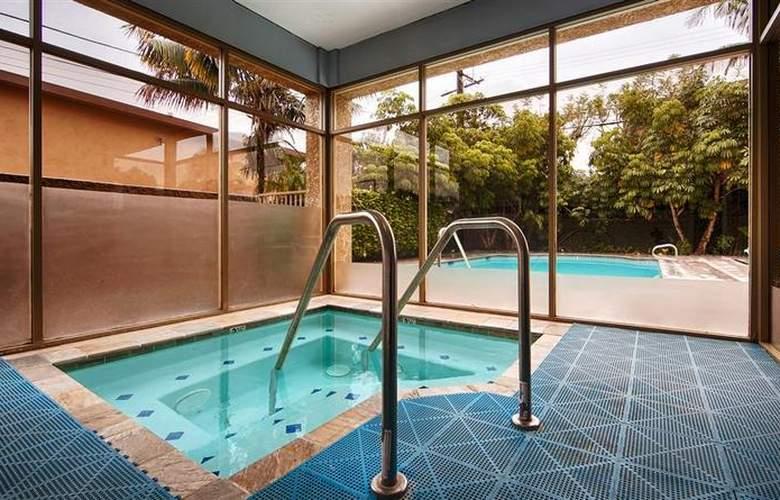 Best Western Newport Mesa Hotel - Pool - 3