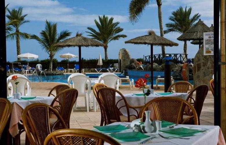 Bluebay Beach Club - Restaurant - 8