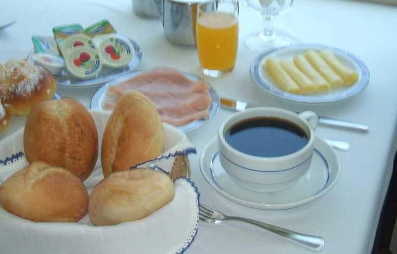 Ribeiro Hotel - Restaurant - 3