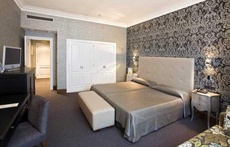 Carlton - Room - 5