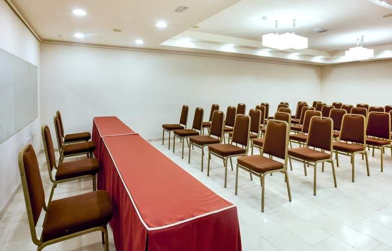 B&B Hotel Cartagena Cartagonova - Conference - 3