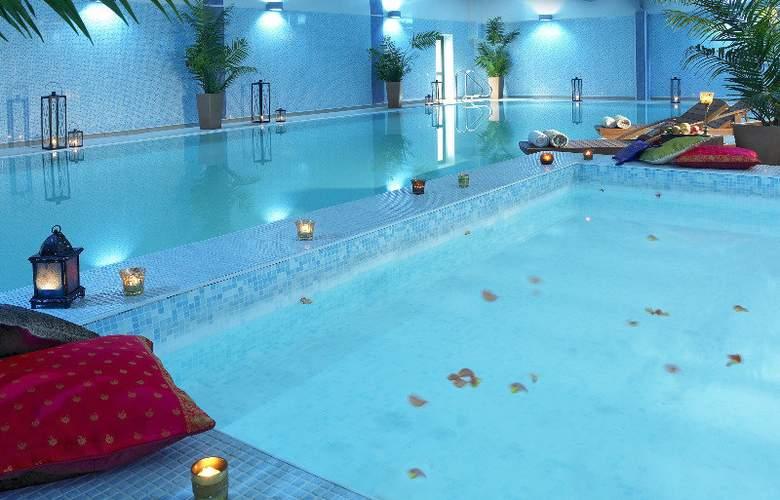 Carlton Atlantic Coast Hotel & Spa - Pool - 8