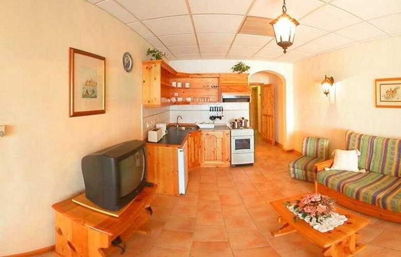Mediterranea Hotel & Suites - Room - 1
