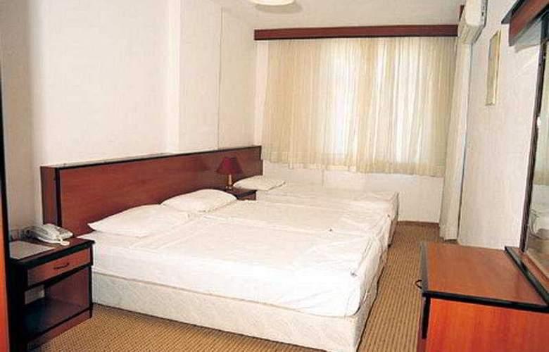 Cengiz Kaan Hotel - Room - 5