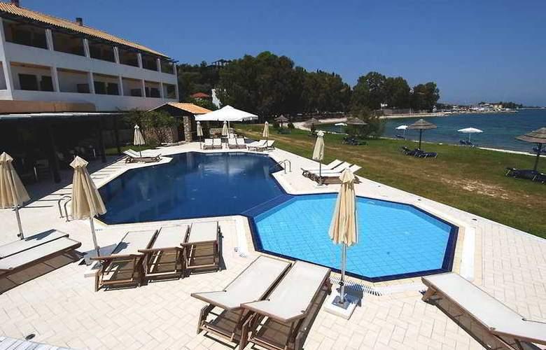 Porto Ligia - Pool - 2