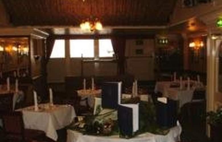 The Star - Restaurant - 2