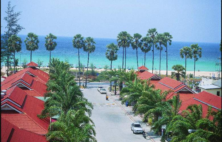 Old Phuket - Karon Beach Resort - Beach - 32