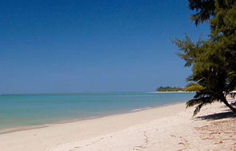 Haadson Resort - Beach - 6