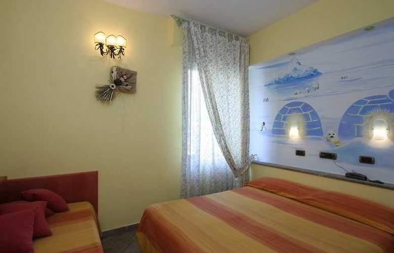 Europeo & Flowers - Sea Hotels - Room - 11