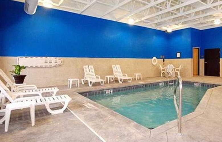 Comfort Suites Chris Perry Lane - Pool - 5