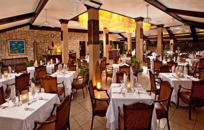 Costabella Tropical Beach Hotel - Restaurant - 7