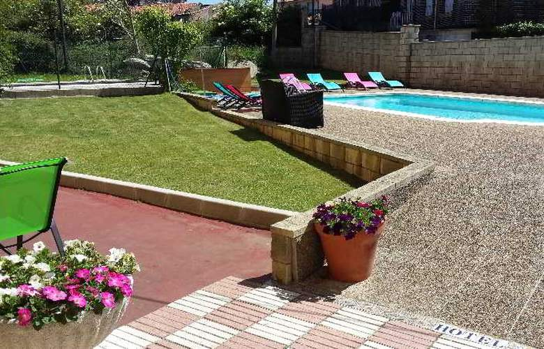 Azcona - Pool - 17