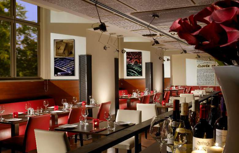 Park Inn Hotel Prague - Restaurant - 6