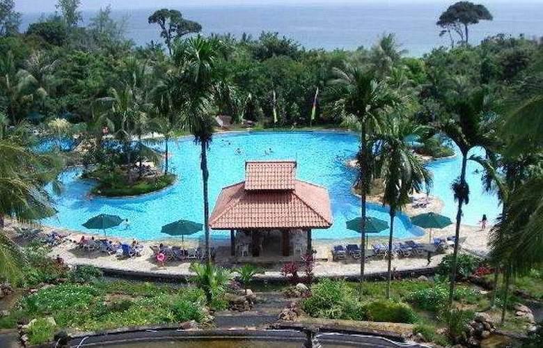 Indra Maya - Pool - 6