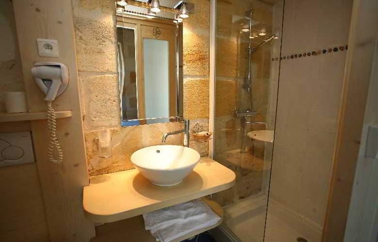 QUALYS-HOTEL LA TOUR INTENDANCE - Room - 17
