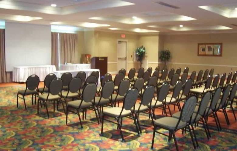 Hilton Garden Inn Freeport Downtown - Conference - 6