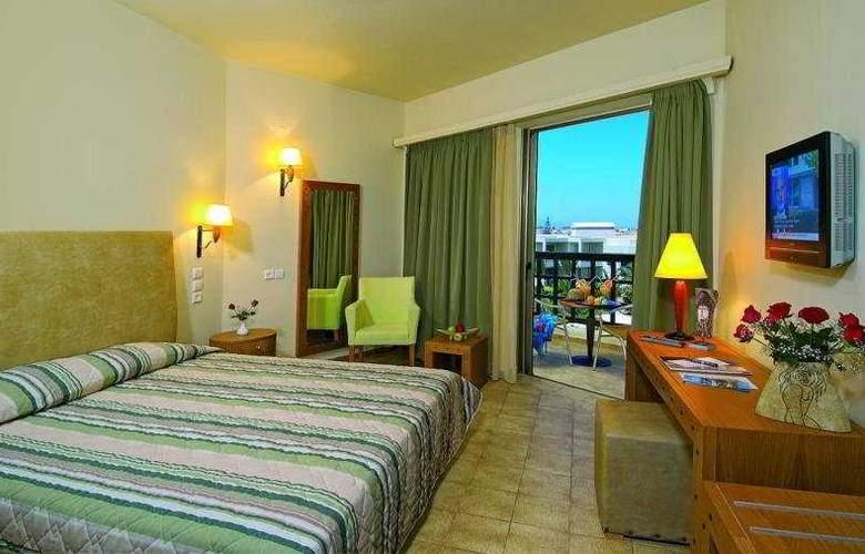 Santa Marina Beach - Room - 3
