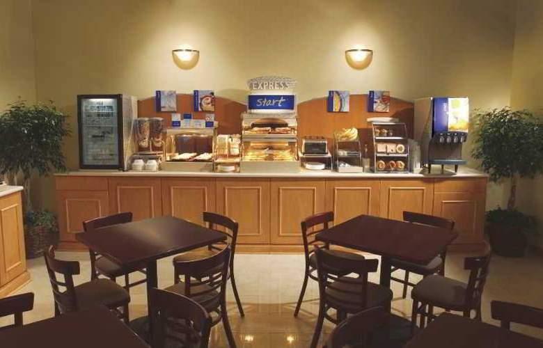 Holiday Inn Express Toronto Downtown - Restaurant - 9