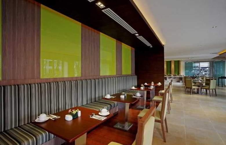 Centara Pattaya Resort - Restaurant - 24