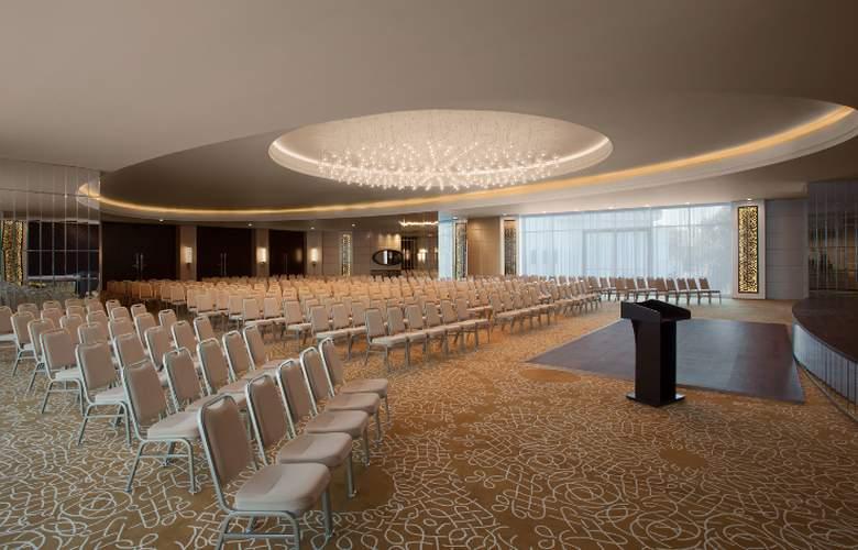 Akra Barut - Conference - 36