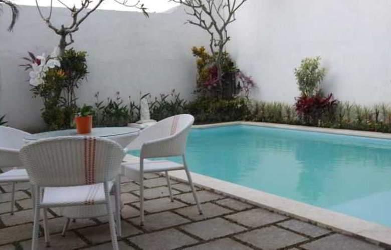 Spazzio Hotel Bali - Pool - 23