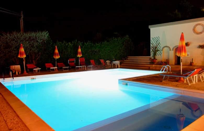 Le Renaie - Pool - 6