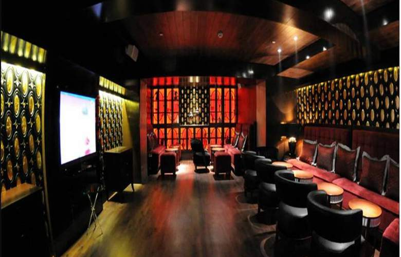 The Pllazio Hotel Gurgaon - Bar - 7