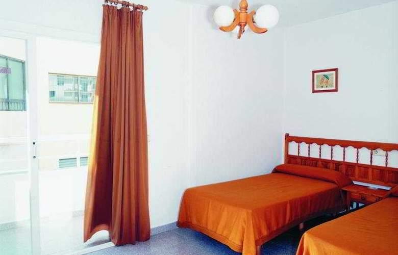 Marian - Room - 1