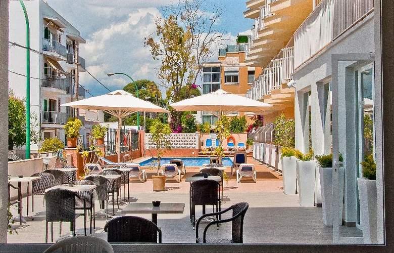 BQ Amfora Beach - Terrace - 22