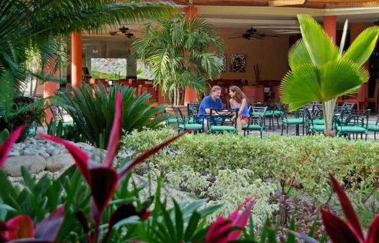 Grand Palladium Vallarta Resort & Spa All Inclusive - Terrace - 3