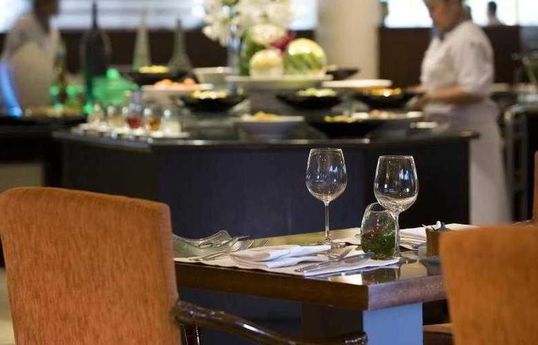 Le Meridien Jakarta - Restaurant - 45