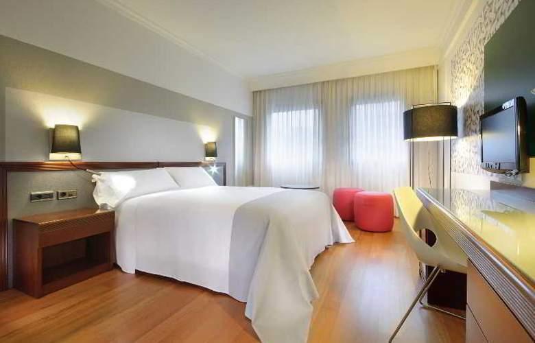 Tryp Santiago - Room - 17